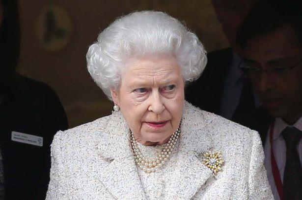 Queen-Elizabeth-II-1944515
