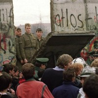 BERLIN-WALL COMES DOWN