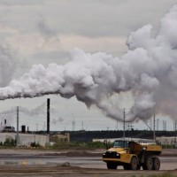 syncrude-oilsands-extraction-facility