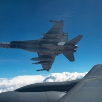 isil-cda-mission-20141103-cf-18-hornets-oct-30-mid-air-refuel
