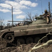 _82587936_ukrtankpeski23afp
