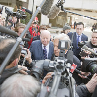 Mike Duffy arrives at Courthouse, photo © Jean-Marc Carisse 2015 0407_5771_0