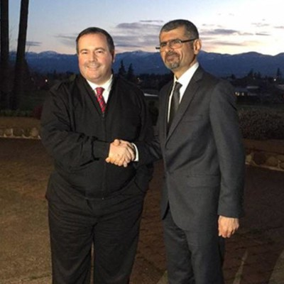 "In March Defence Minister Jason Kenney highlighted his meeting with Dr. Saren Azer on his twitter account, lauding the doctor as a man ""doing tremendous work."" (Photo courtesy Jason Kenney twitter) 0905 kurd doctor ORG XMIT: POS1509041102198261  / 0905 kurd doctor"