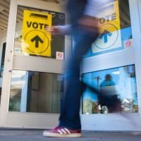 advance-vote-polls-open-voting
