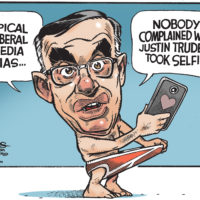 Exhibitionist Tony Clement blames liberal media for selfie backlash